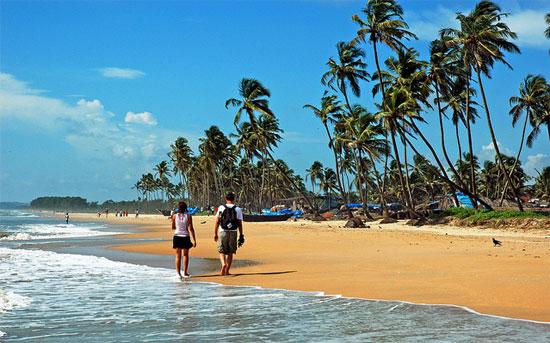 Прогулка по пляжу ГОА